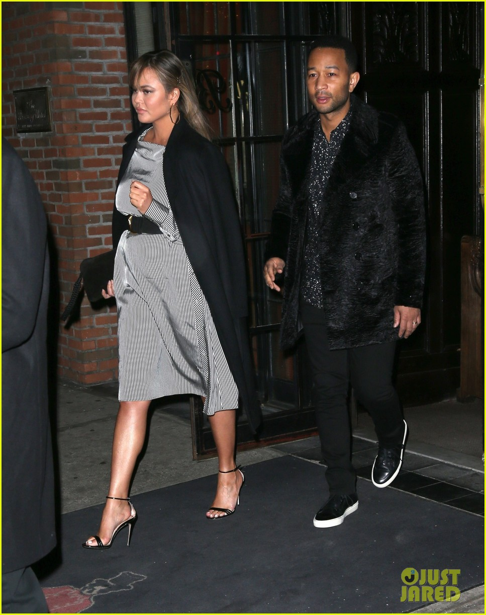 chrissy teigen dinner nyc 02