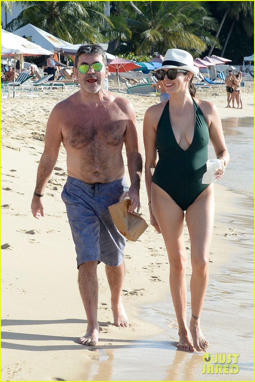 simon cowell goes shirtless at the beach with longtime love lauren silverman 074002089