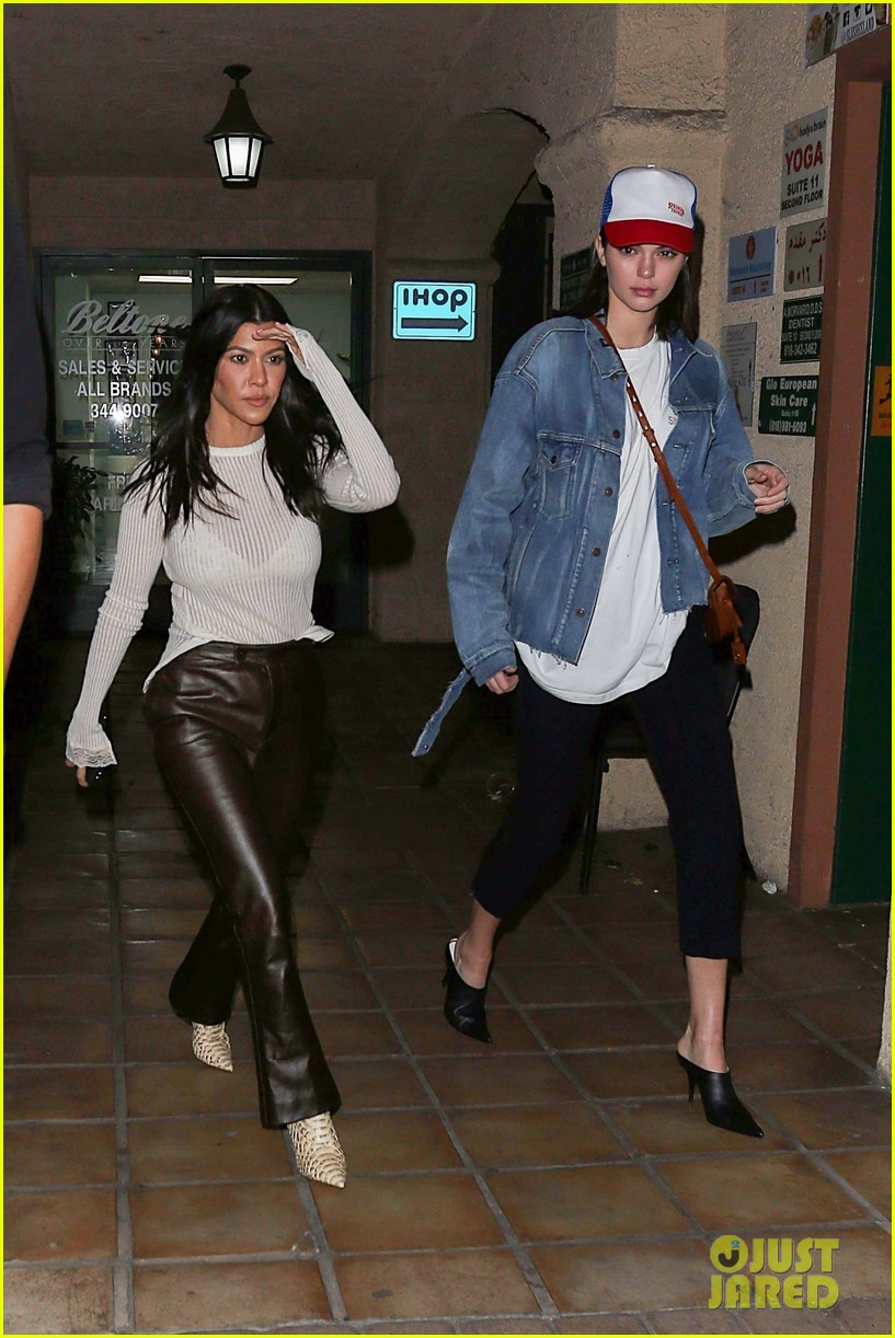 kourtney kardashian and kendall jenner match in denim while out in la 023998019