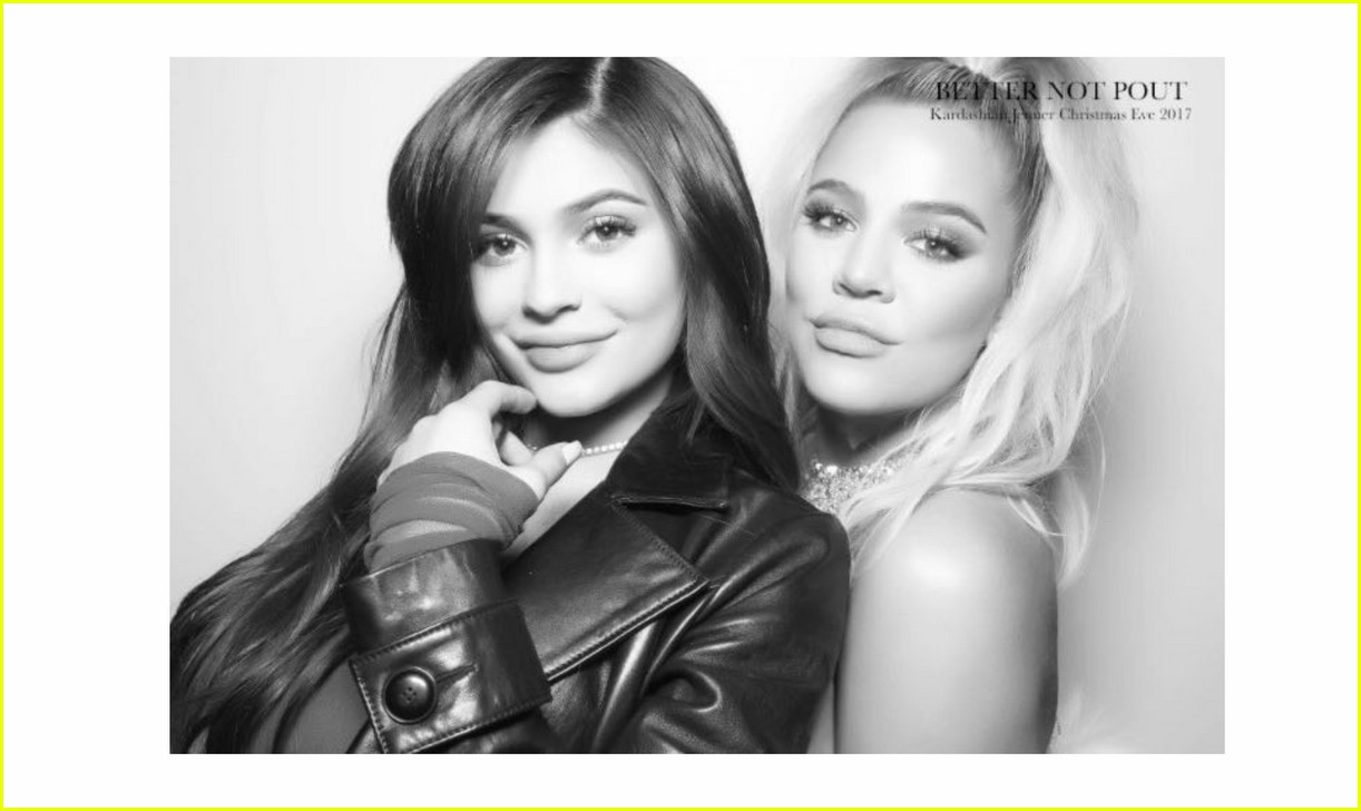 khloe kardashian kylie jenner pose together christmas party 034004899
