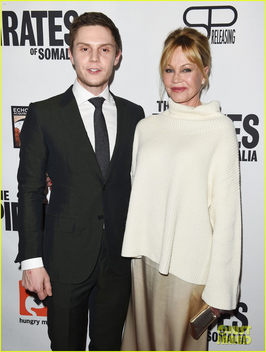 evan peters melanie griffith premiere the pirates of somalia in la 02