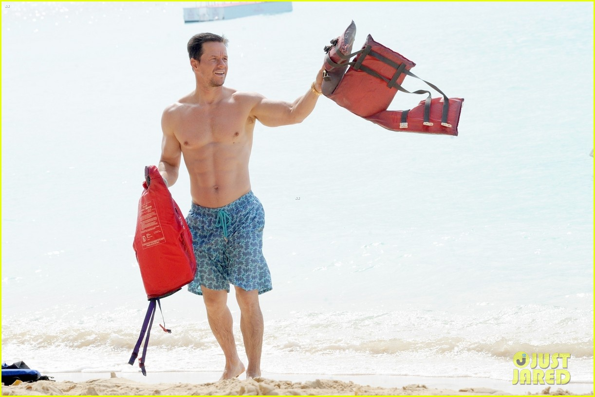 mark wahlberg joins wife rhea durham for another beach day 03