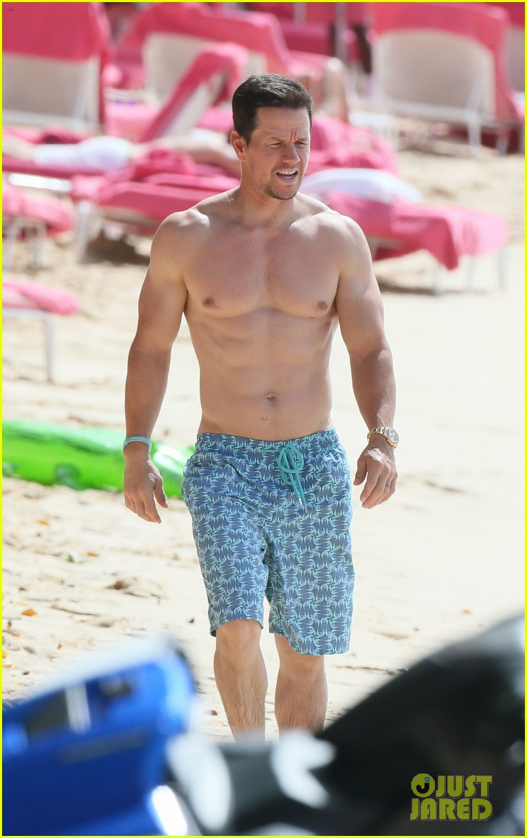 mark wahlberg joins wife rhea durham for another beach day 24