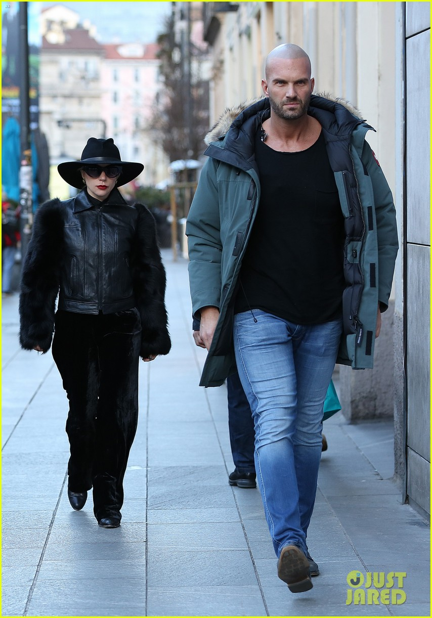 Lady Gaga Looks Fashionable While Walking Through The