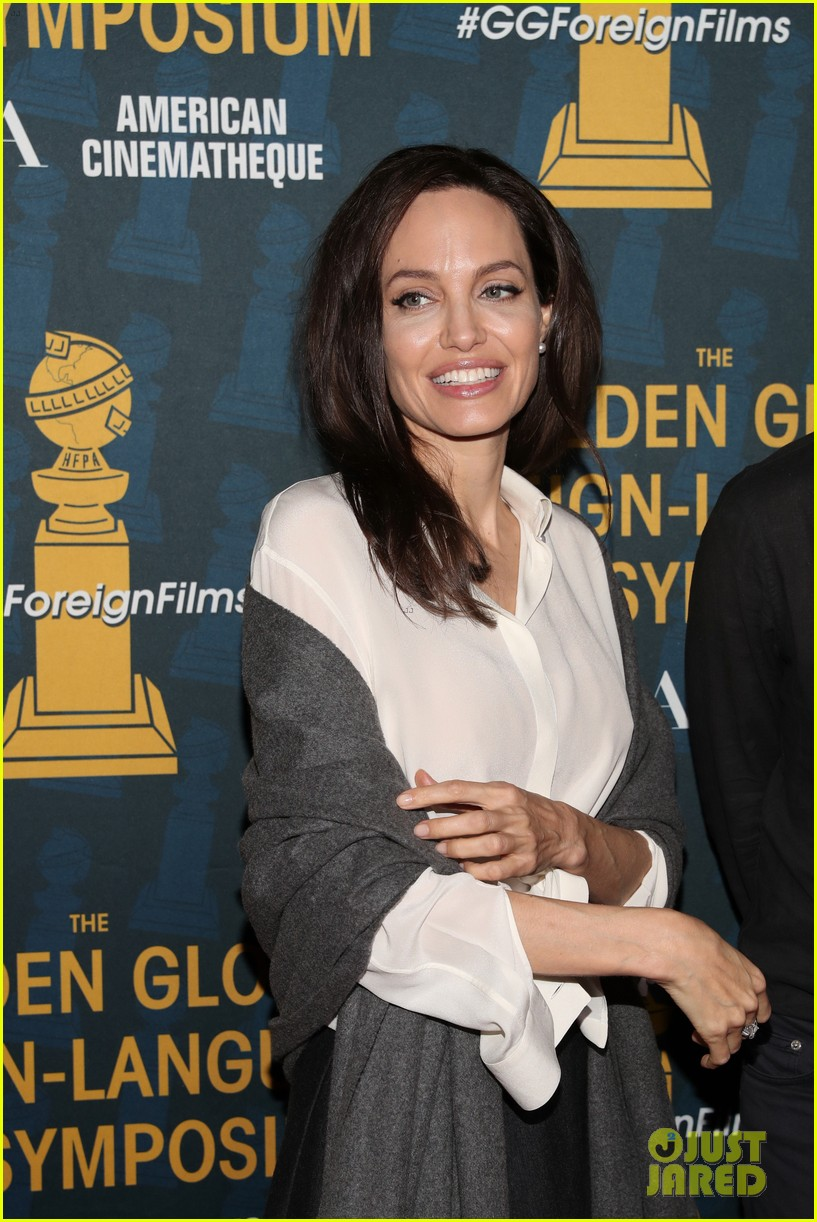 angelina jolie celebrates foreign language films ahead of the golden globes 044008579