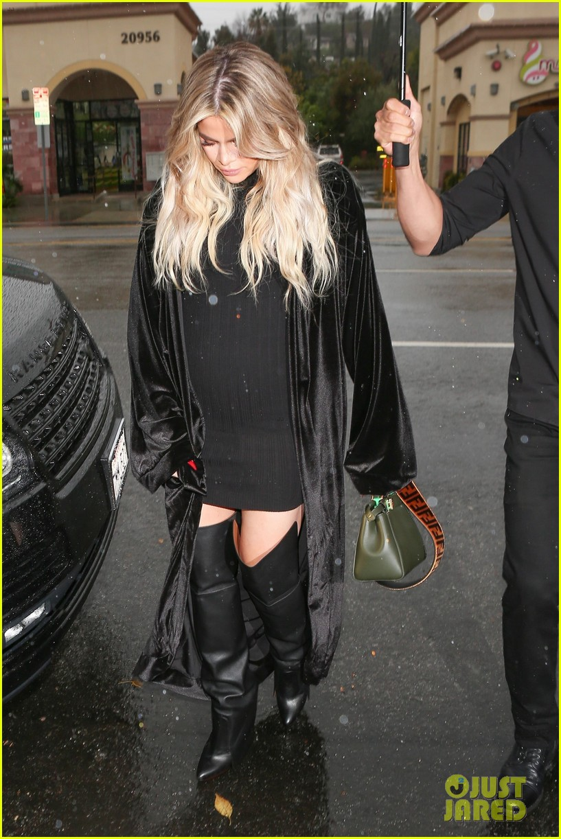 Image result for Pregnant Khloe Kardashian Wears Form-Fitting Dress For Lunch With Kim & Kourtney!