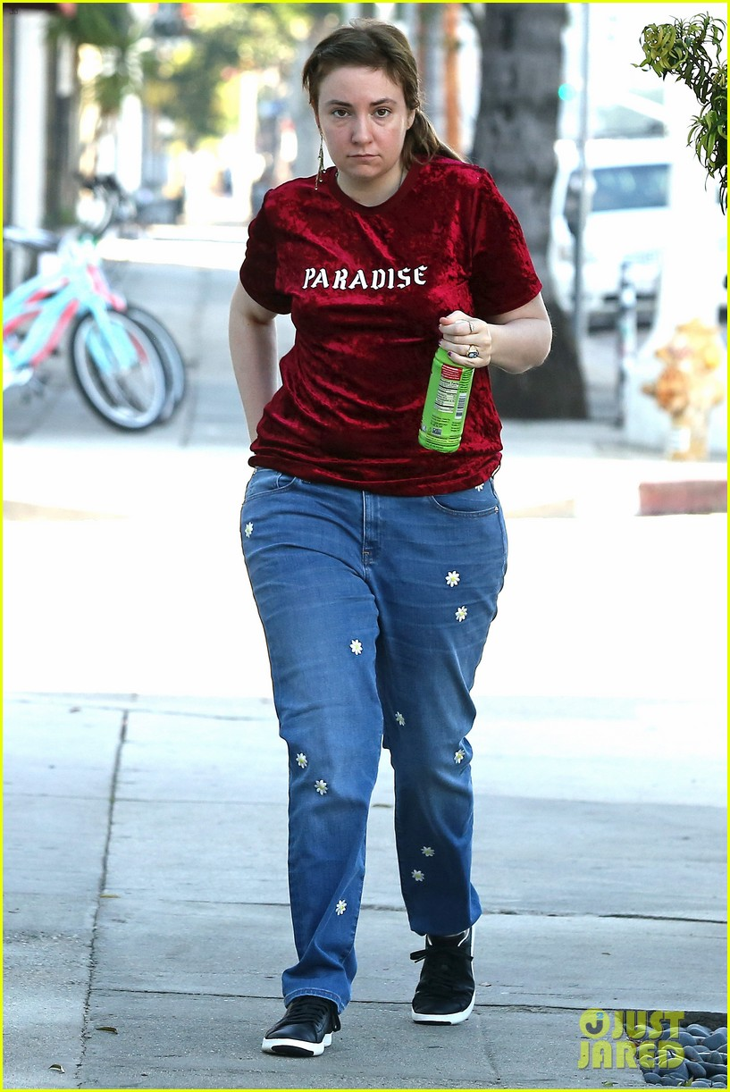 lena dunham steps out after breakup 01