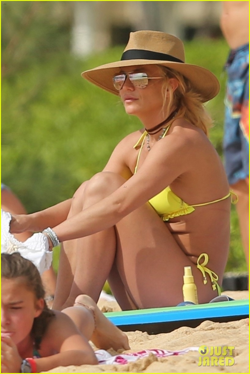 britney spears hits the beach in hawaii in a yellow bikini 034014002