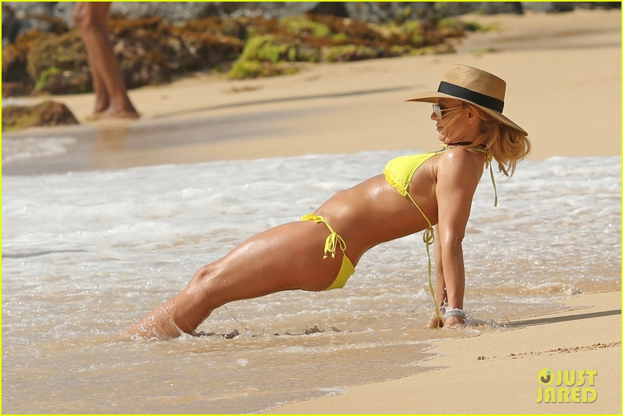 britney spears hits the beach in hawaii in a yellow bikini 204014019