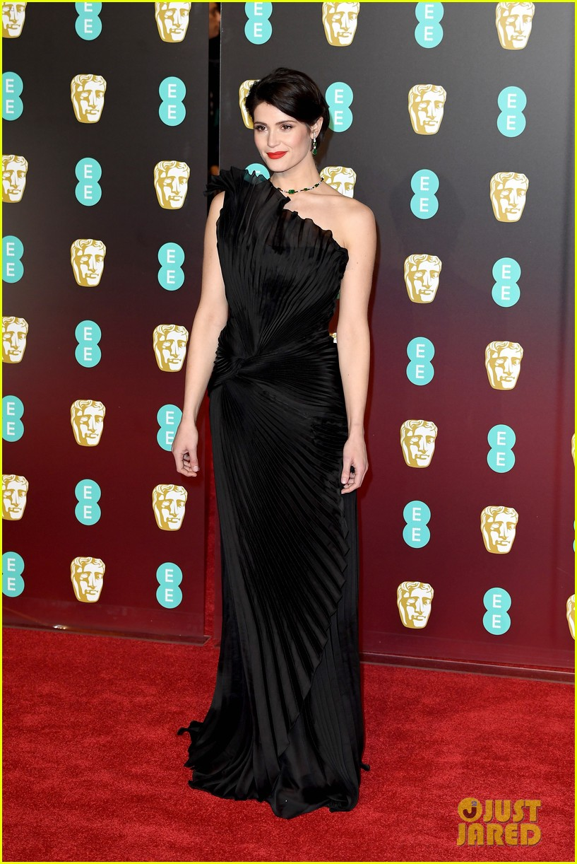 celebrities wearing black baftas 11