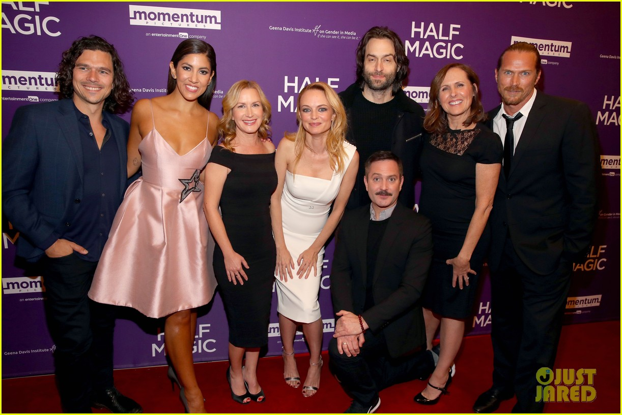 jenna fischer supports former co star anela kinsey at half magic premiere 01