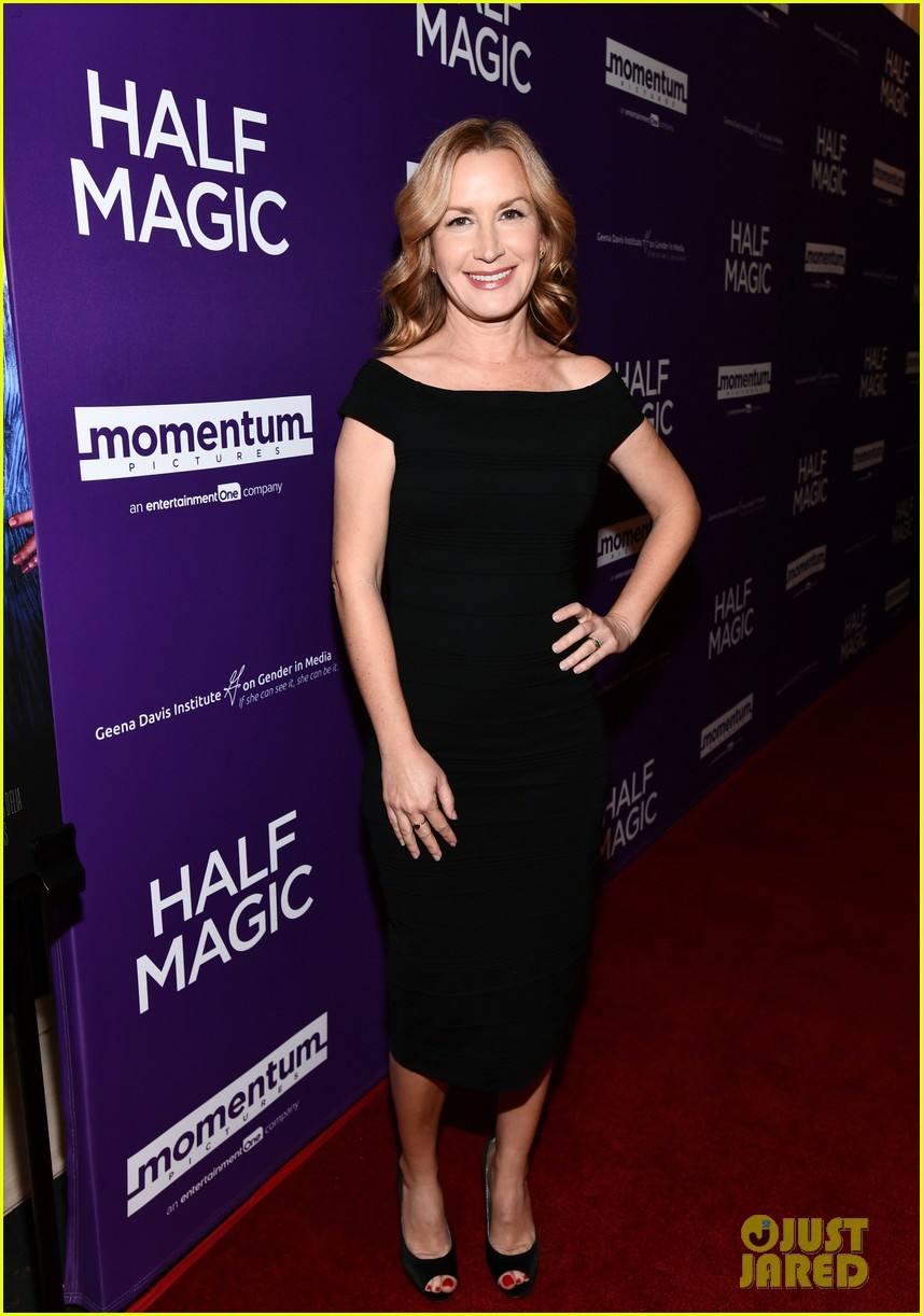 jenna fischer supports former co star anela kinsey at half magic premiere 10