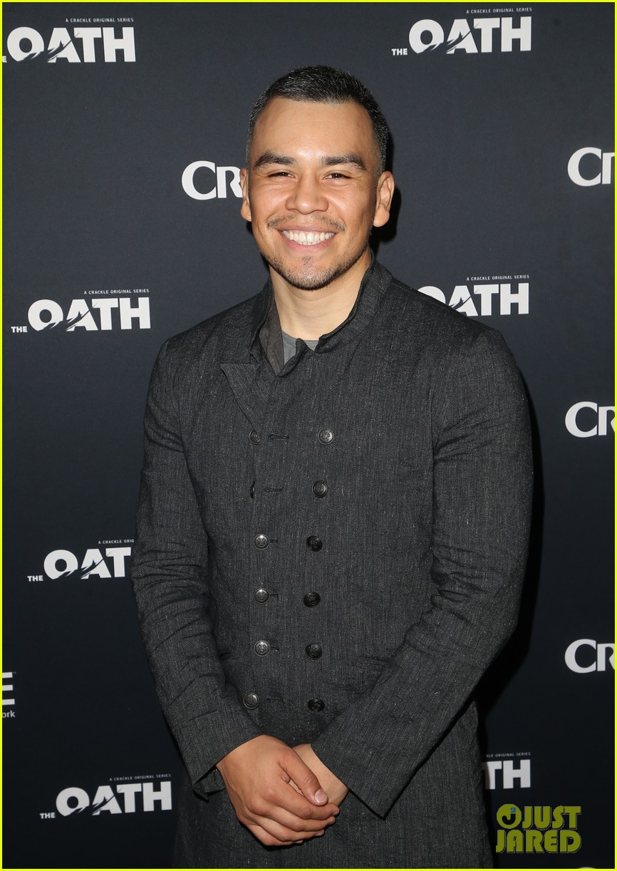 50 cent supports ryan kwanten the oath cast at l a premiere 18