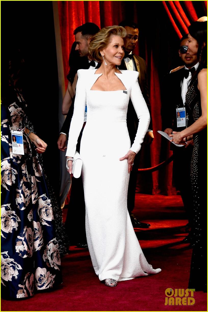 Full Sized Photo Of Jane Fonda Oscars 2018 03 Photo 4043900 Just Jared