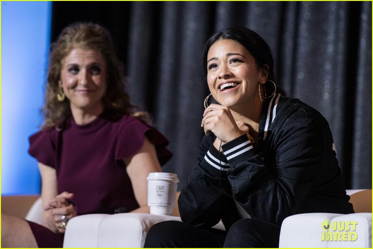 gina rodriguez sonequa martin green women in tv emphasize jobs as times up next 07