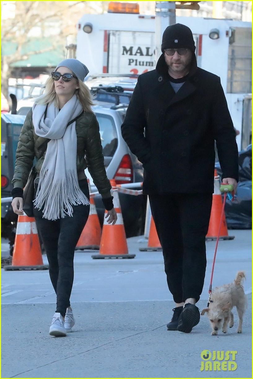 Liev Schreiber & girlfriend Taylor Neisen in NYC