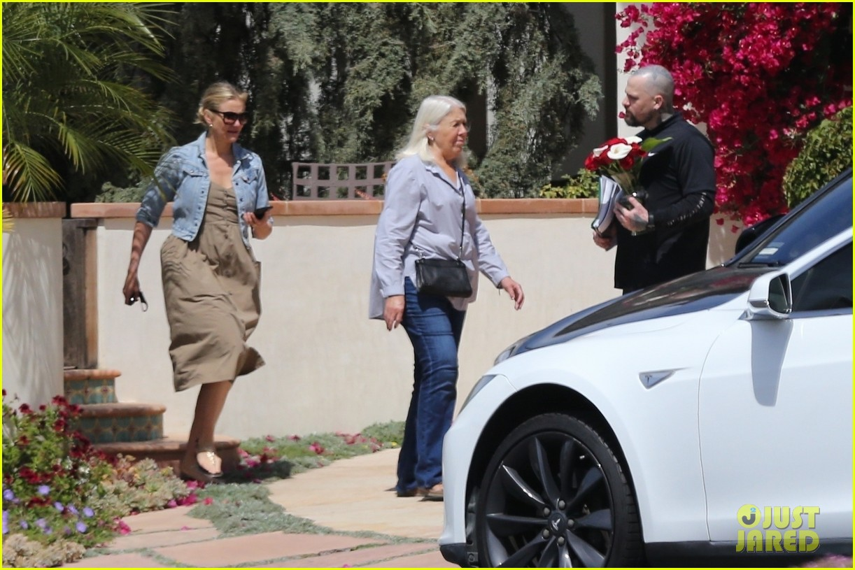 cameron diaz benji madden mom april  2018 01