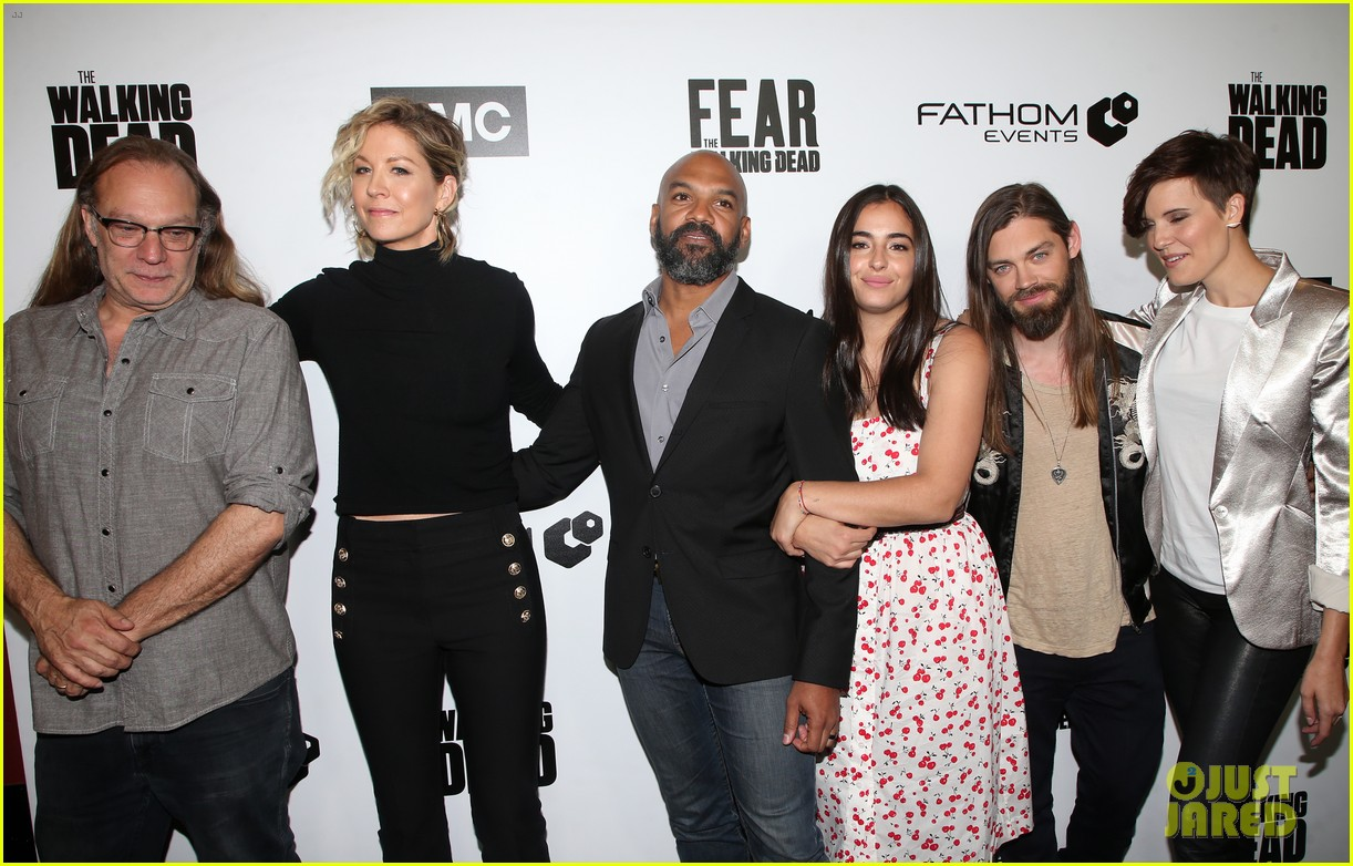 jenna elfman maggie grace more join forces at the walking deads survival sunday 07