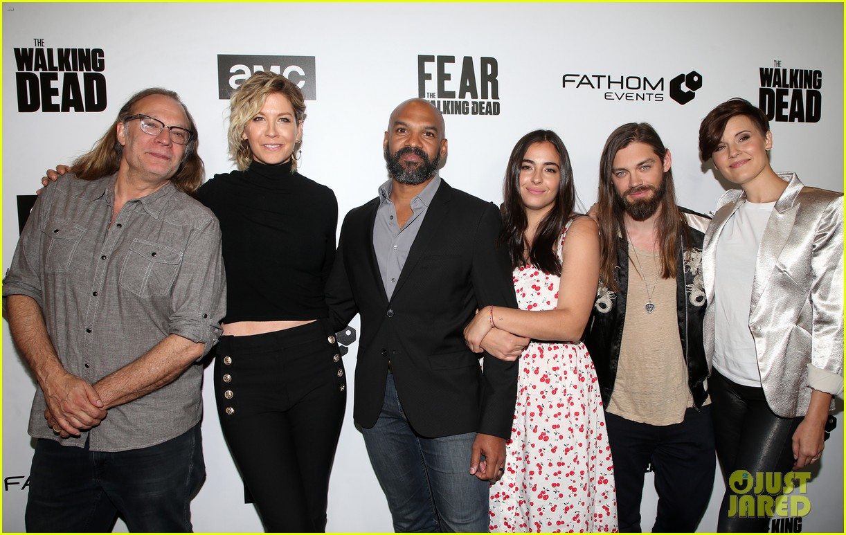 jenna elfman maggie grace more join forces at the walking deads survival sunday 08