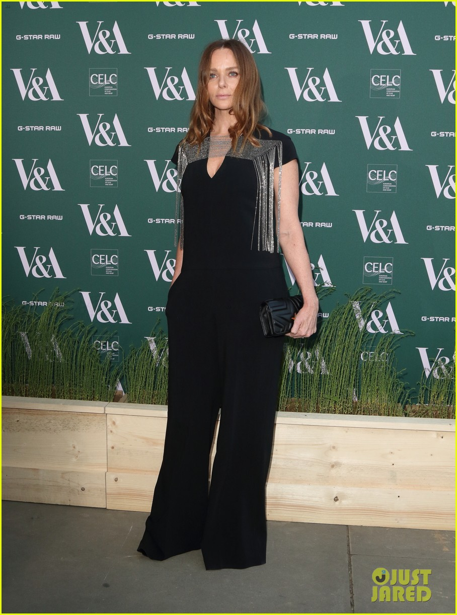 ellie goulding natalie imbruglia step out in style for va fashioned from nature vip preview 06