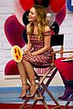 leslie mann rocks two different looks while promoting blockers 04