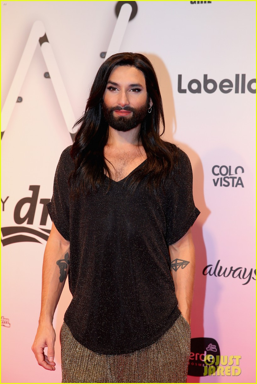 conchita wurst reveals hiv diagnosis 20
