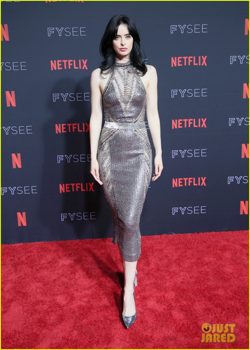 alison brie krysten ritter more step out for netflixs fysee kick off celebration 06