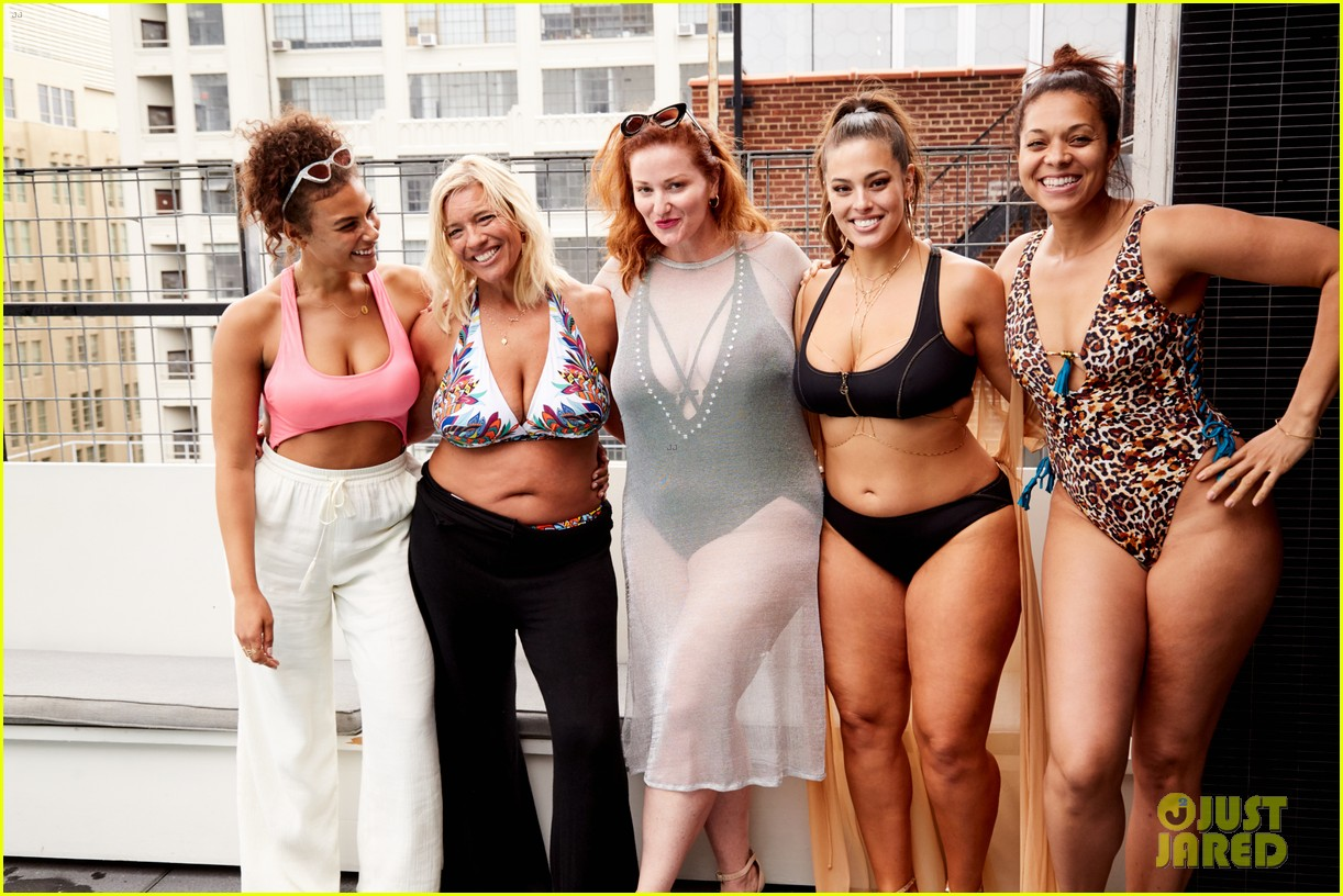 ashley graham hosts swim 4 alls mdw pool party 2018 05
