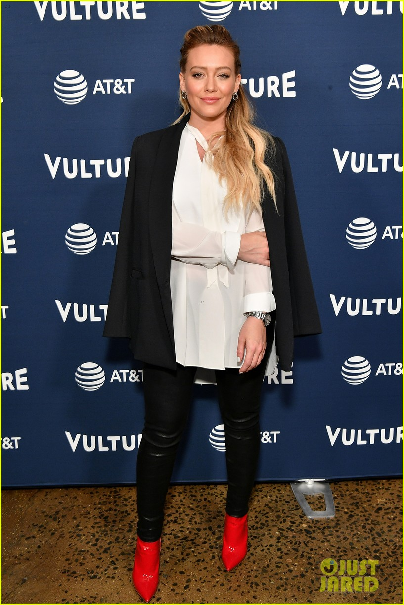 hilary duff maggie gyllenhaal juliana marguiles stop by vulture 01