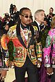 migos match in colorful versace suits and major bling at met gala 2018 03