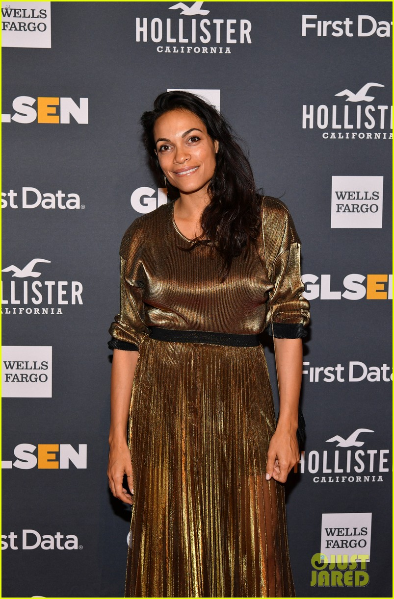 rosario dawson gets honored at glsen respect awards 06