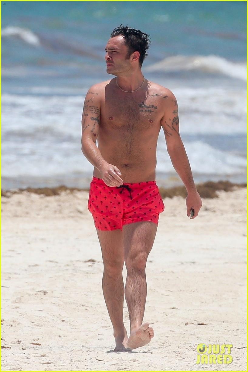 ed westwick shirtless beach photos 10