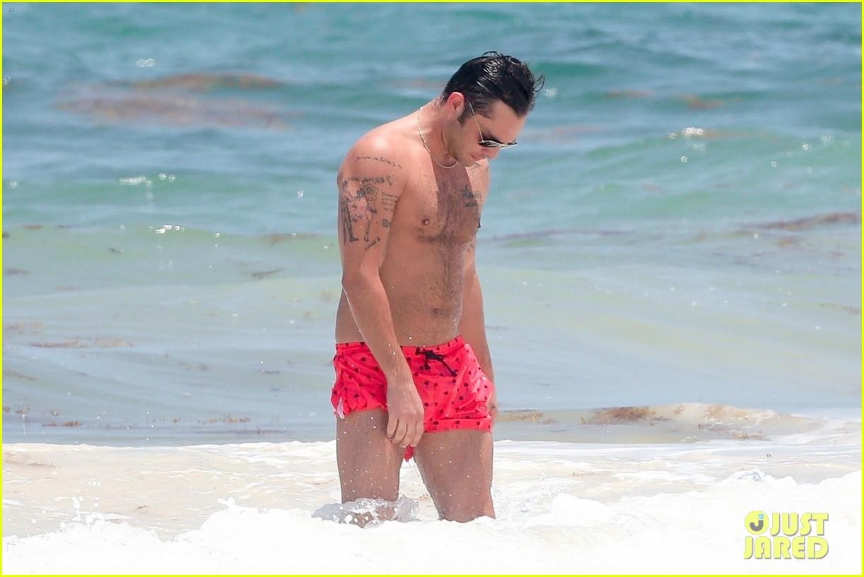 ed westwick shirtless beach photos 16