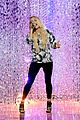 carrie underwood rehearses for cmt music awards 01