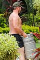 chris pratt shirtless hawaii 02