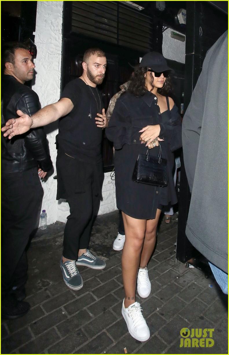 rihanna nightclub london 01