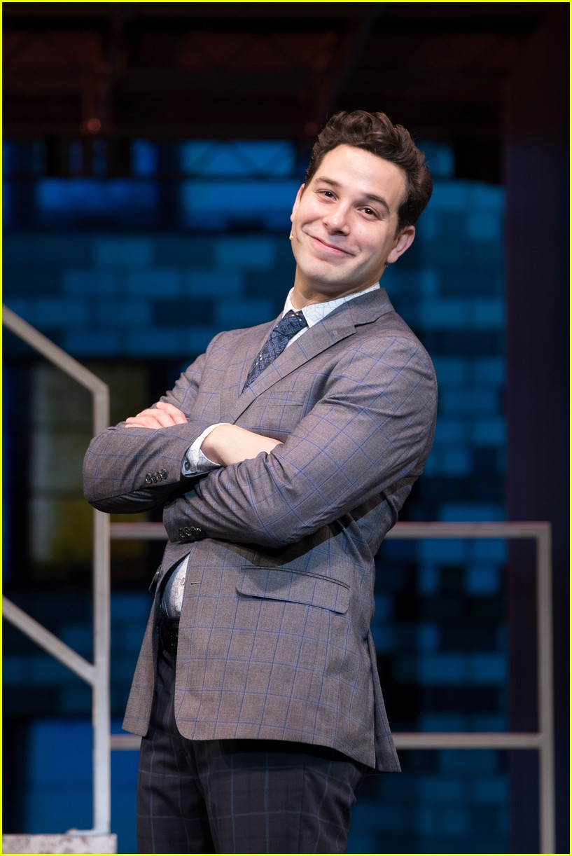 michael urie becki newton how to succeed 02