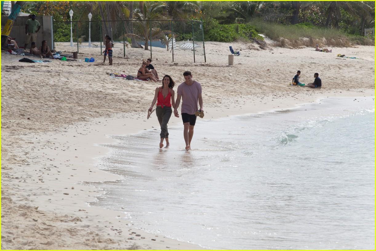 the bachelorette becca kufrin beach garrett blake 21