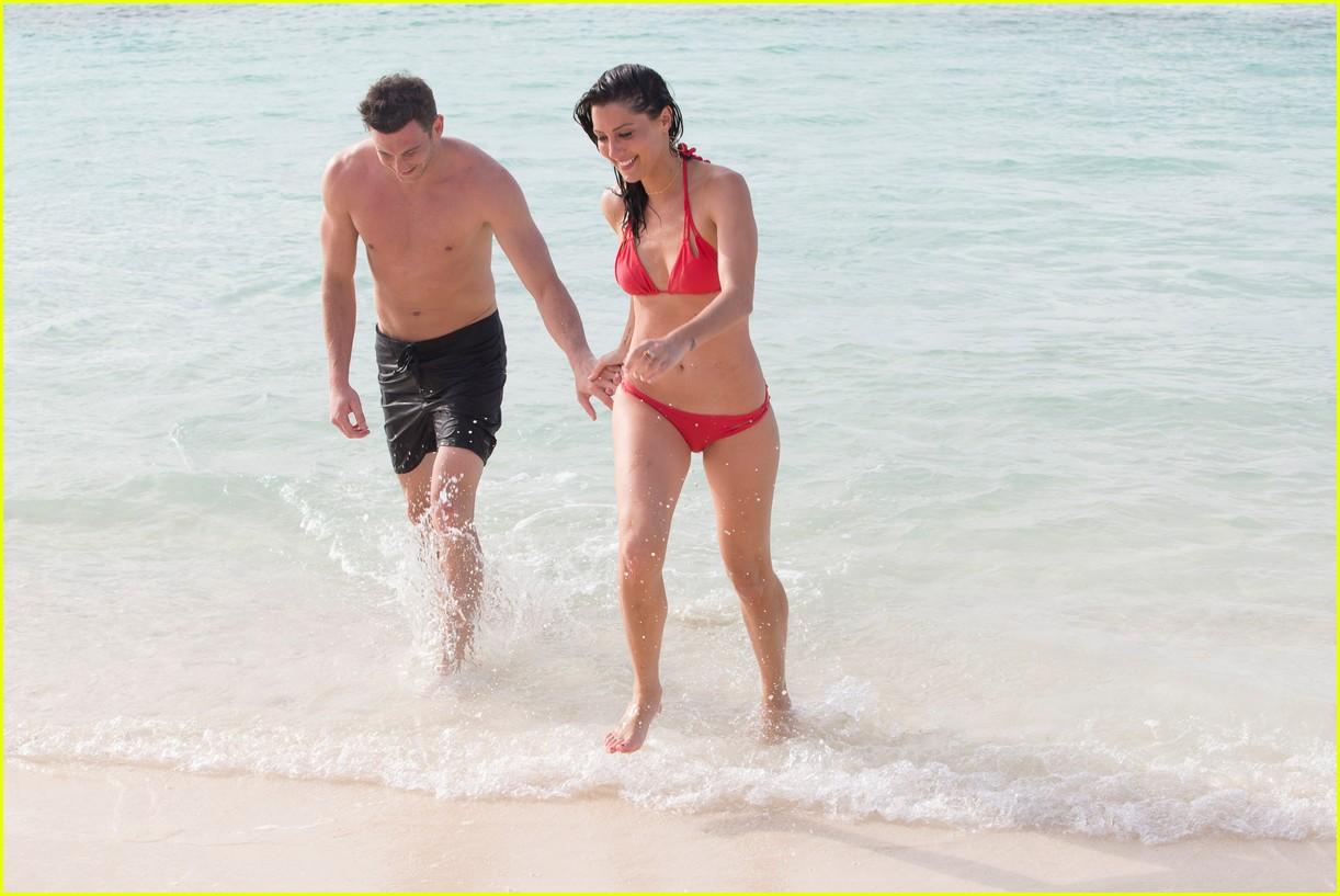 the bachelorette becca kufrin beach garrett blake 25