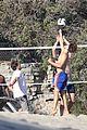 leonardo dicaprio ansel elgort beach volleyball 05