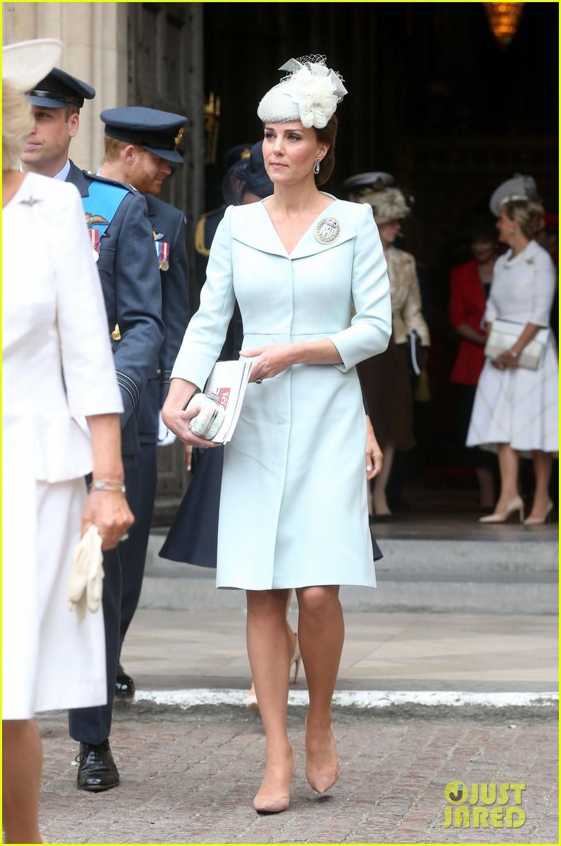 royal family royal airforce birthday 02