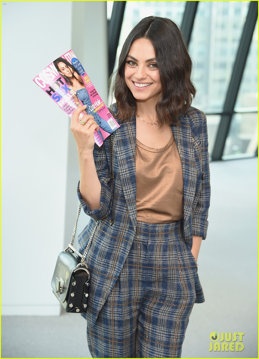 mila kunis celebrates cosmo cover in nyc 05