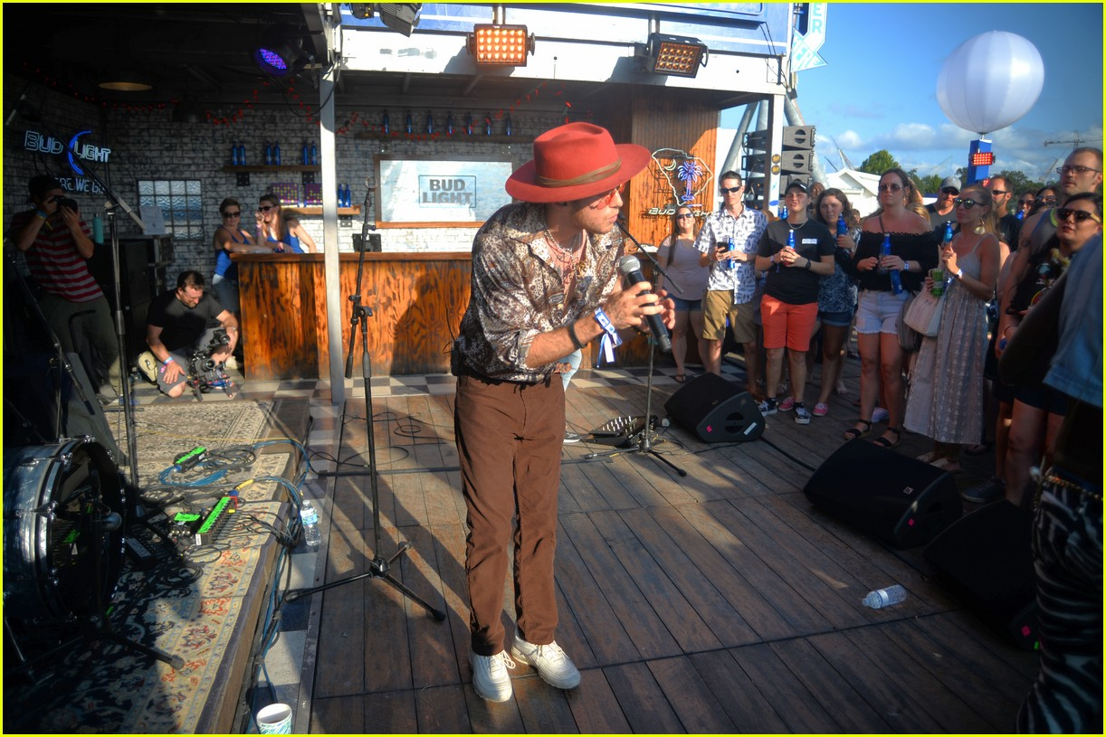 Sam Hunt, Lil Jon, Dashboard Confessional & More Perform at Bud