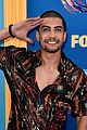 grant gustin brings arrow 2018 teen choice awards 06