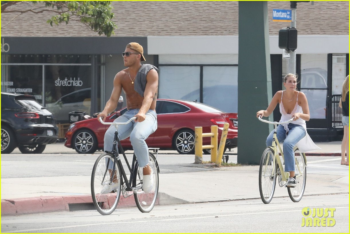 Blake Griffin Goes for a Shirtless Bike Ride with Francesca