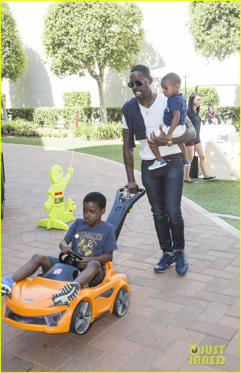 sterling k brown brings sons to step2 event 02