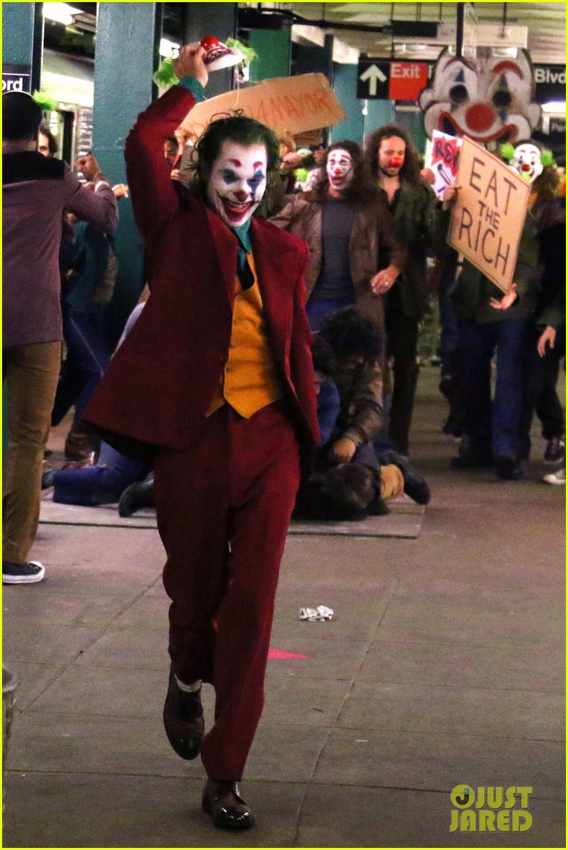 Joaquin Phoenix Transforms Into The Joker While Filming Riot