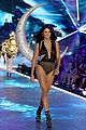 adriana lima hits the runway for final victorias secret fashion show 02