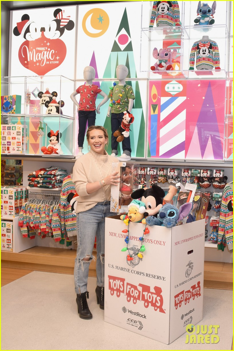 Disney Toys For Tots : Full sized photo of hilary duff helps kick off disney