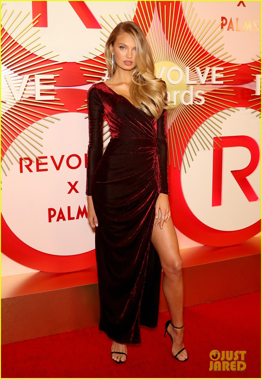 kendall jenner icon of the year revolve awards 2018 04